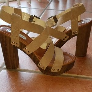 NWOT tan/brown suede sandals